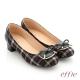 effie 個性美型 真皮蝴蝶結飾釦格紋低跟鞋 黑色 product thumbnail 1