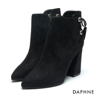 達芙妮DAPHNE 短靴-絨布水鑽環孔綁帶粗高跟踝靴-黑