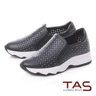 TAS小圓鉚釘牛皮打洞休閒鞋-百搭黑
