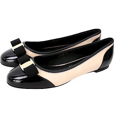 Salvatore Ferragamo VARINA L 漆皮拼接娃娃鞋(黑裸色)