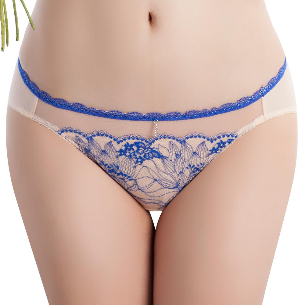 思薇爾 撩波芙蓉之戀系列M-XXL蕾絲低腰三角內褲(裸妝膚)