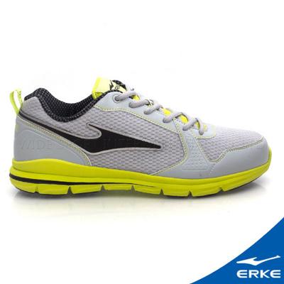 ERKE 鴻星爾克。男運動綜合訓練慢跑鞋- 淺灰/果綠
