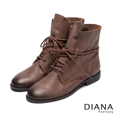 DIANA 中性潮流--繞帶古著擦色真皮短筒靴-咖