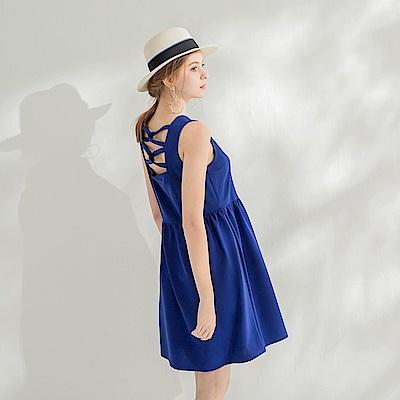 後交叉鏤空造型無袖質感洋裝.2色-OB大尺碼