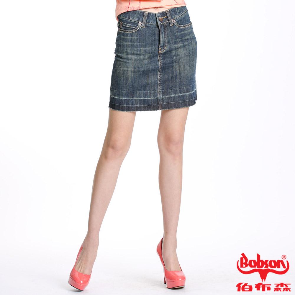 【BOBSON】女款下放燙鑽牛仔短裙(藍53)