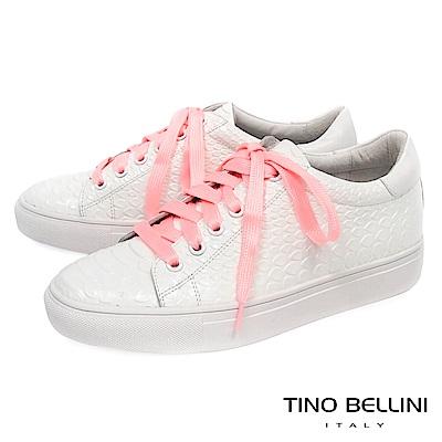 Tino Bellini 蟒蛇紋牛皮柔軟足底綁帶休閒鞋_ 白