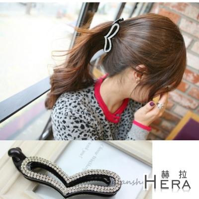 Hera 赫拉 鏤空扁心形水鑽豎夾(黑色)
