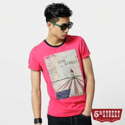 5th STREET T恤 人物國旗印T恤-男-桃紅