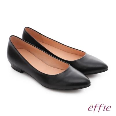 effie 輕甜自適 素面真皮壓紋低跟鞋 黑色