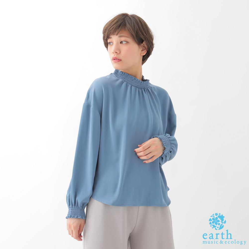earth music  小高領前抓摺設計長袖上衣