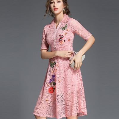 ABELLA 艾貝拉 蝴蝶小花刺繡緹花蕾絲排扣短袖洋裝(三色/S-2XL)