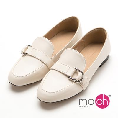 mo.oh 皮帶金屬扣套腳平底樂福鞋-米白色