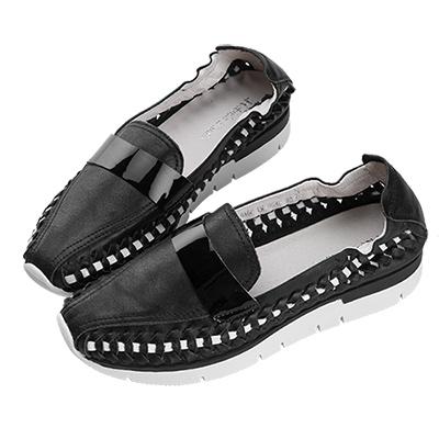 Robinlo Studio 特色編織柔軟牛皮平底休閒鞋 黑色