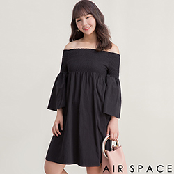 AIR SPACE PLUS 中大尺碼 簡約寬袖一字領洋裝(黑)