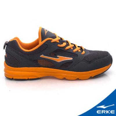 ERKE 鴻星爾克。男運動輕量慢跑鞋-碳灰
