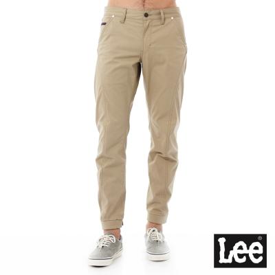 Lee 低腰標準小直筒休閒褲/UR-男款-卡其色