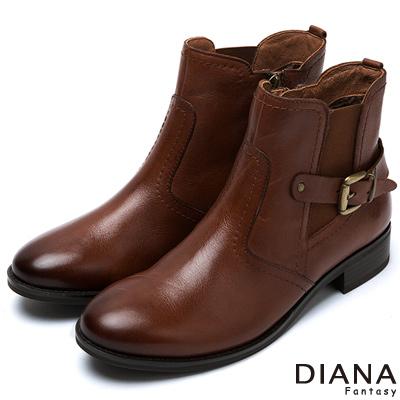 DIANA-帥氣百搭-騎士風格復古刷色真皮短靴-棕
