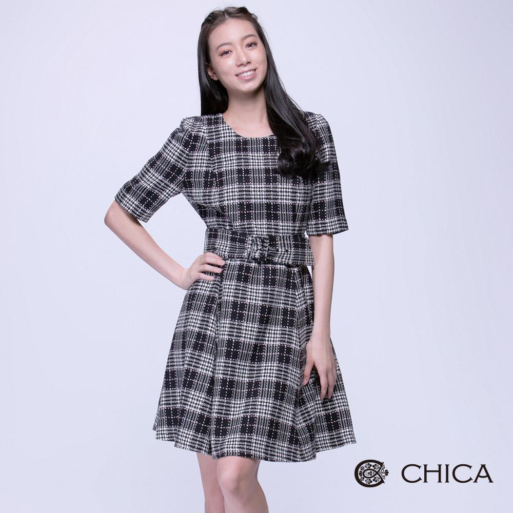 CHICA甜美洋娃娃感格紋五分袖洋裝1色