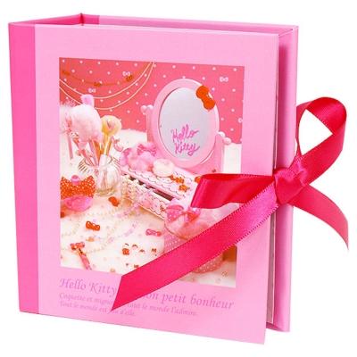 Sanrio HELLO KITTY法式浪漫系列精裝名片/卡片收納本(甜蜜梳妝)