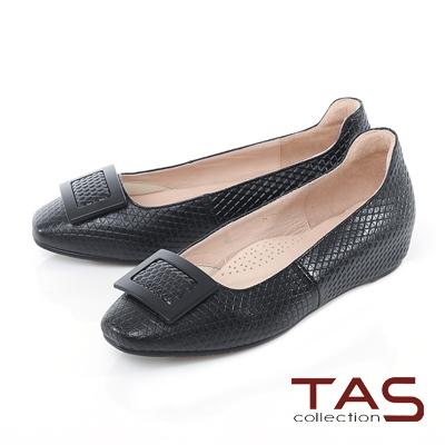 TAS 方形扣飾壓紋真皮內增高娃娃鞋-低調黑
