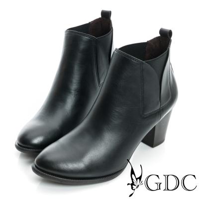 GDC個性-V切口彈性造型中跟真皮短靴-黑色
