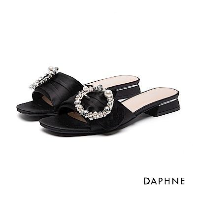 達芙妮DAPHNE 涼鞋-水鑽珠飾布面低跟涼鞋-黑