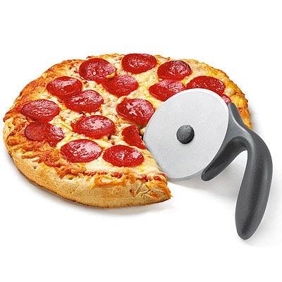 《CUISIPRO》不沾黏披薩刀