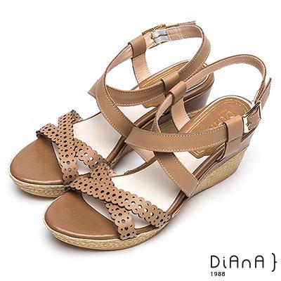DIANA 夏日典雅—圓點雕花雙交叉繫帶楔型涼鞋 –棕