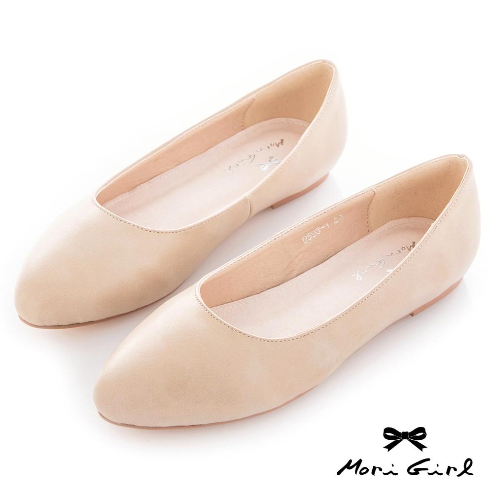 Mori girl 極簡素面圓尖楦頭平底鞋 米杏