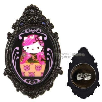 【TARINA TARANTINO】黑色俄羅斯娃娃 Kitty 巴洛克風格戒指