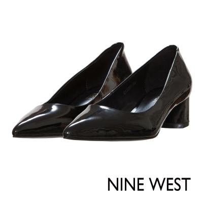 NINE-WEST-漆皮粗低跟尖頭鞋-沉穩黑