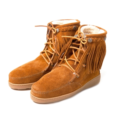 MINNETONKA-SHEEPSKIN防潑水綁帶流蘇羊毛雪靴-駝色