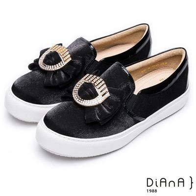 DIANA 漫步雲端焦糖美人款--奪目耀眼立體蝴蝶結輕量休閒鞋-黑