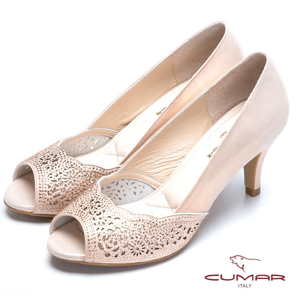 CUMAR閃耀夜宴 雕花水鑽真皮高跟鞋-粉金