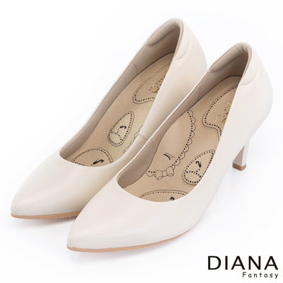 DIANA 漫步雲端布朗尼H款--輕彈舒適OL制鞋-米