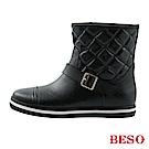 BESO 街頭時髦 經典帶釦格紋短筒雨靴~黑