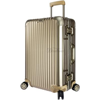 Rimowa Topas Titanium 26吋小型行李箱 924.63.03.4