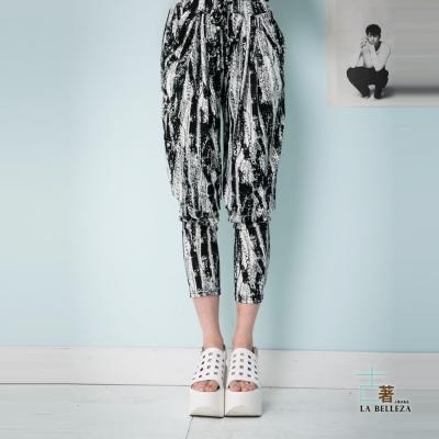 古著 潑墨印花圖案臀部假口袋腰抽繩哈倫褲-La Belleza