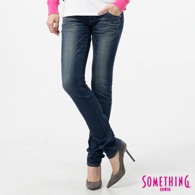 SOMETHING純真氛圍NEO超合身窄直筒牛仔褲-女款-漂淺藍