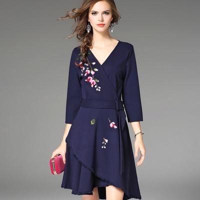ABELLA 艾貝拉 鈴蘭刺繡流蘇毛邊層次裙擺腰帶洋裝(S-2XL)