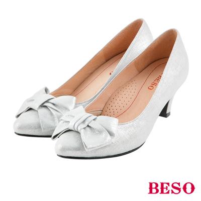 BESO 典雅氣質 全真皮閃耀立體蝴蝶結跟鞋~銀