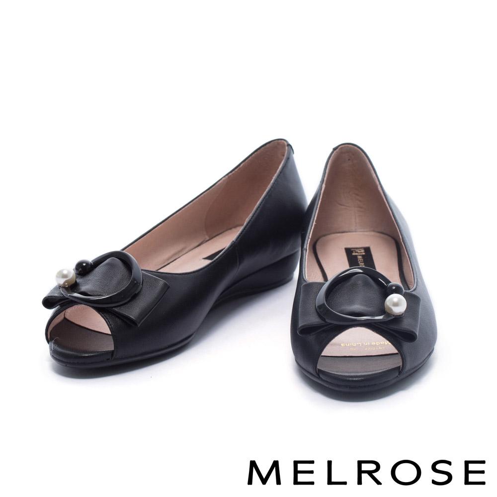 楔型鞋 MELROSE 清新雅緻珍珠飾釦魚口低跟楔型鞋-黑