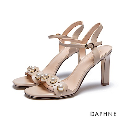 達芙妮DAPHNE 涼鞋-珍珠花邊一字高跟涼鞋-杏