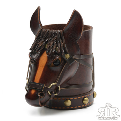 2R 樹羔植鞣牛皮Funny手工雕製鬃馬筆筒 深咖啡