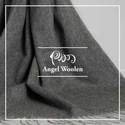 ANGEL-WOOLEN-經典厚織暖感羔羊毛披肩-圍巾-深灰