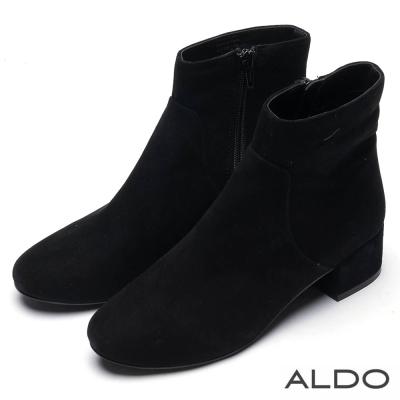 ALDO 黑色麂皮內側拉鍊馬蹄粗跟短靴~尊爵黑色
