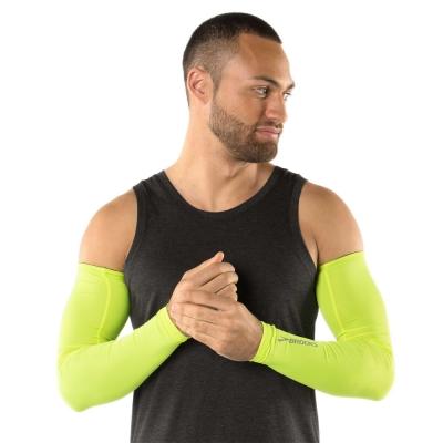 BROOKS 夜光抗UV運動袖套 夜光黃 (280219305)