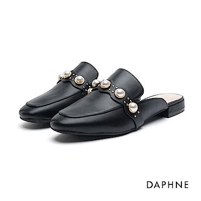 達芙妮DAPHNE 休閒鞋-珠飾鉚釘平底穆勒休閒鞋-黑