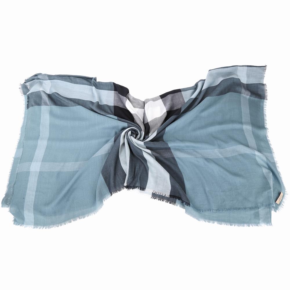 BURBERRY 木代爾紗與羊毛絲綢大格紋披肩(灰藍色)