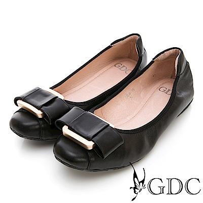 GDC-真皮時尚撞色大方扣環舒適平底包鞋-黑色